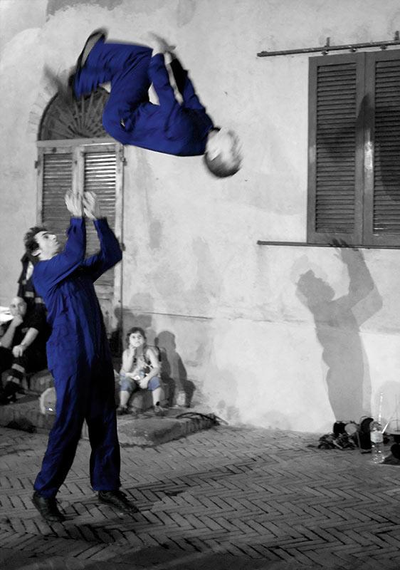 Festival Mercantia<br/> Ècole du Cirko Vertigo<br/>Trip The Switch