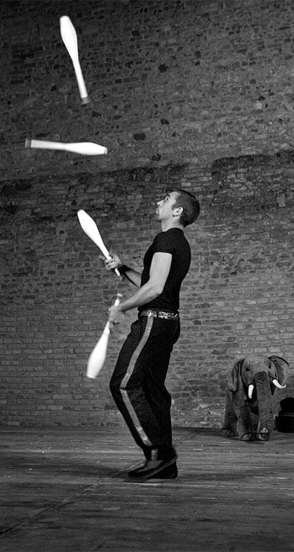 Festival Mercantia<br/> Ècole du Cirko Vertigo<br/>Go Go Juggling